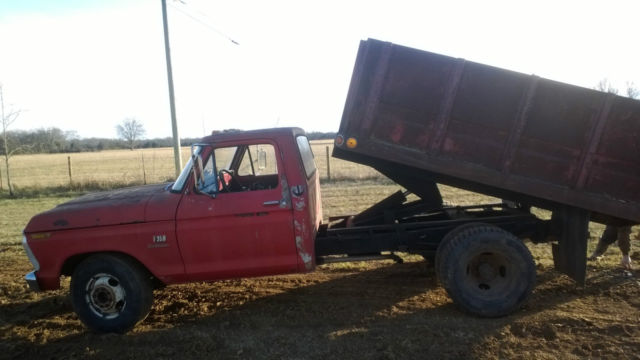 1973 Ford F-350 (Red/Red)