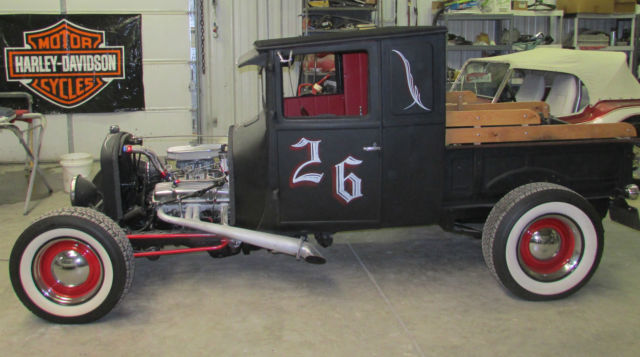 1926 Ford Model T (Black/Red)