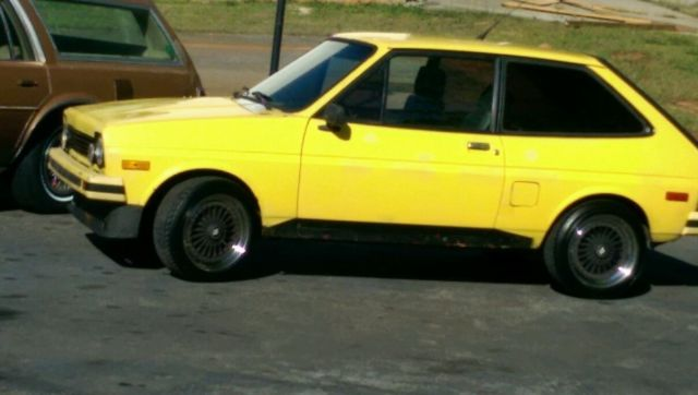 1979 Ford Fiesta (Yellow/Black)