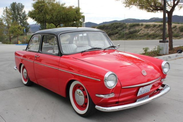 1964 Volkswagen Type III (Red/White)