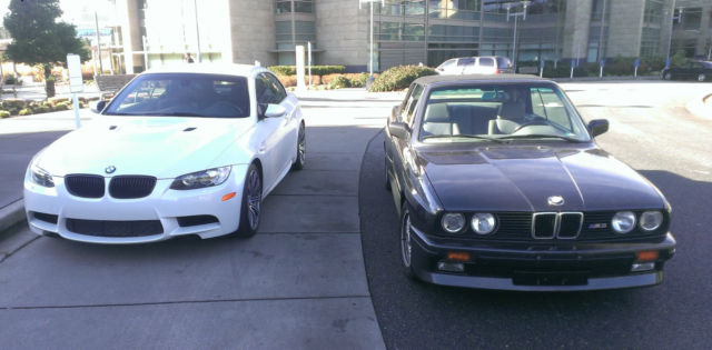 1900 BMW M3 (BLACK & WHITE/GRAY & WHITE)