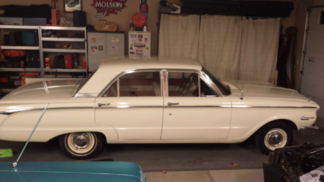 1962 Mercury Comet (Sultan White/Red/White)