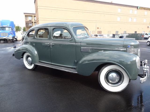 1939 Chrysler Royal (Green/Brown)