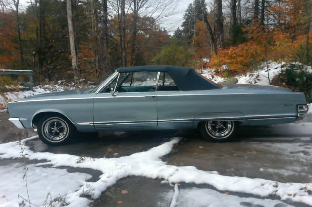 1966 Chrysler Newport (Light Blue Metallic/Light Blue/Dark Blue)