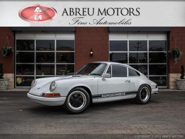 1971 Porsche 911 (White/Black)