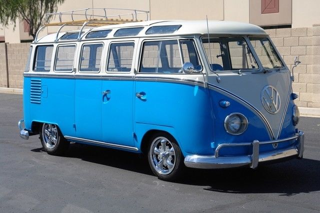 1962 Volkswagon Micro-Bus (Blue/Blue)