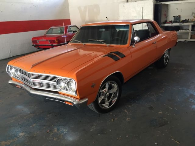 1965 Chevrolet Malibu (Orange/Black)