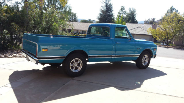 1972 Chevrolet C/K Pickup 1500 (Blue/Black)