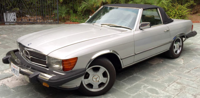 1978 Mercedes-Benz 400-Series (Silver/Black)