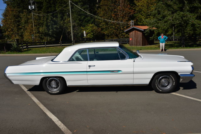 1962 Pontiac Grand Prix (White/White)