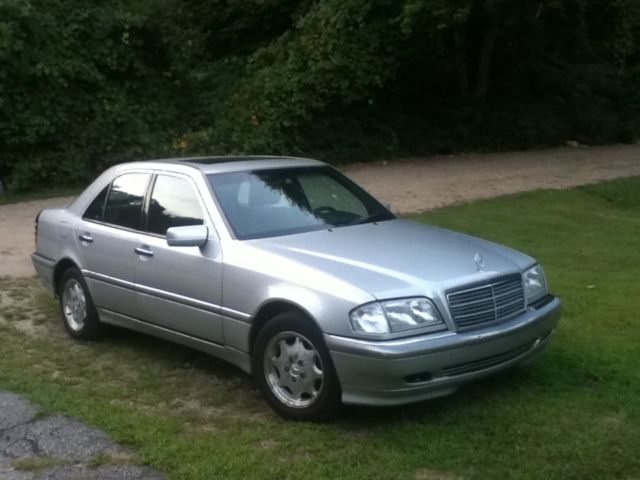 Seller of classic cars 1999 mercedes benz c class for Mercedes benz c class 1999 for sale