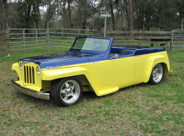 1948 Willys Jeepster (Yellow/Blue)