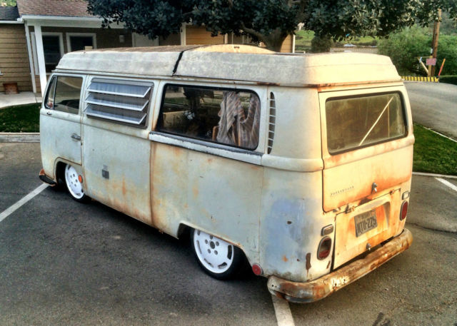 Seller Of Classic Cars 1968 Volkswagen Bus Vanagon White Tan Wood