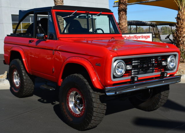 Seller of Classic Cars - 1972 Ford Bronco (Red/Black)