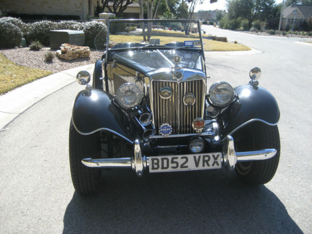 1952 MG T-Series (Black/White)