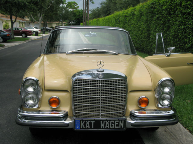 Seller of classic cars 1967 mercedes benz 200 series for Gold mercedes benz price