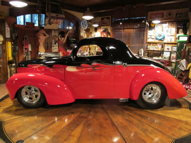 1941 Willys Coupe (Black & Red w/Graphics/Black Leather)