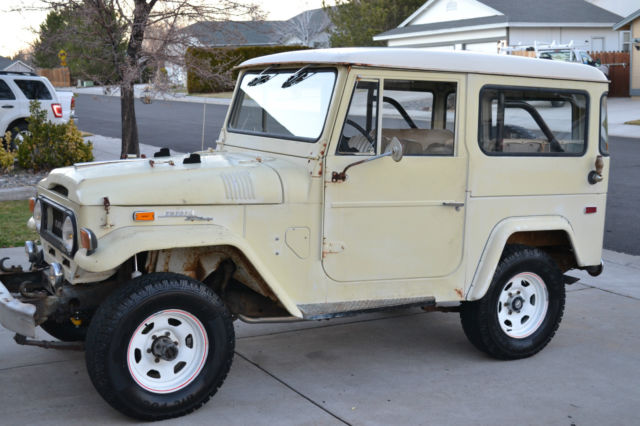seller of classic cars 1970 toyota land cruiser tan tan. Black Bedroom Furniture Sets. Home Design Ideas