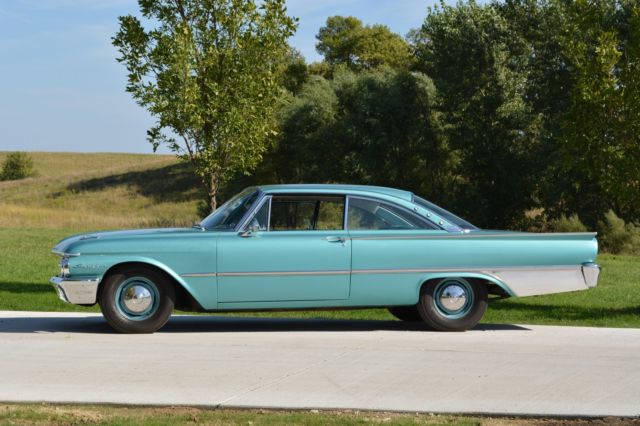 Seller of Classic Cars - 1961 Ford Galaxie (Garden ...