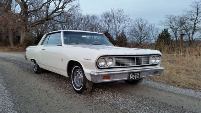 1964 Chevrolet Malibu (White/Tan)