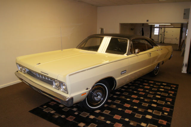 1969 Plymouth Fury (Yellow/Black)