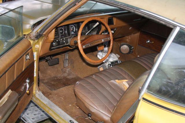 Seller of Classic Cars - 1972 Buick Skylark (Gold/Tan)