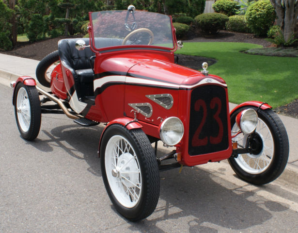 1923 Ford Model T (Red/Black)
