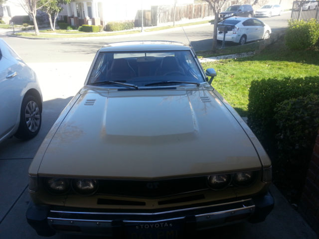 1976 Toyota Celica (Beige Metalic/Brown)
