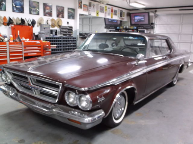 1964 Chrysler 300 Series (White/Burgandy)