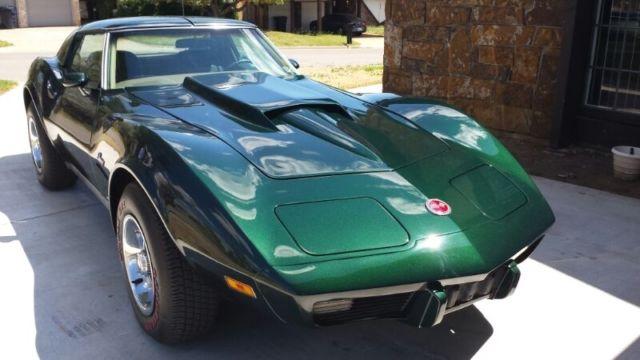 Seller of Classic Cars - 1975 Chevrolet Corvette (Green/Black)