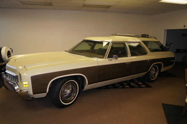 1972 Chevrolet Caprice (Green yellow/Saddle)
