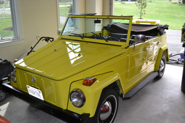 1973 Volkswagen Thing (Yellow/Black)