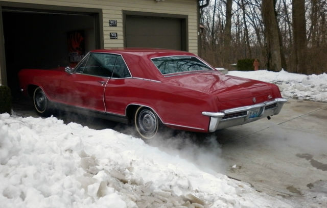 1965 Buick Riviera (Red/Deluxe Black Interior)