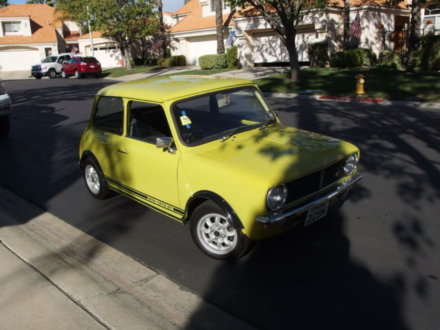 seller of classic cars 1975 austin austin mini clubman 1275gt citron yellow black. Black Bedroom Furniture Sets. Home Design Ideas