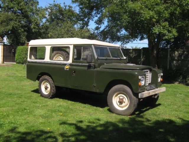 seller of classic cars 1970 land rover series 2a 109 wheel base green green. Black Bedroom Furniture Sets. Home Design Ideas
