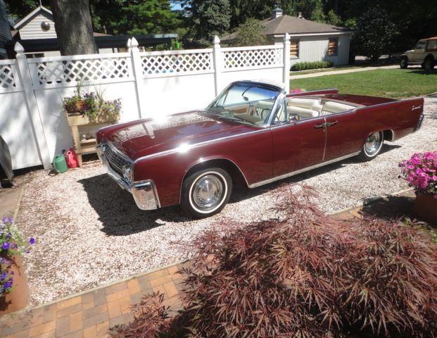 seller of classic cars 1962 lincoln continental burgundy white. Black Bedroom Furniture Sets. Home Design Ideas