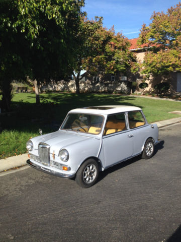1968 Mini Classic Mini (Gray/White/Gold)