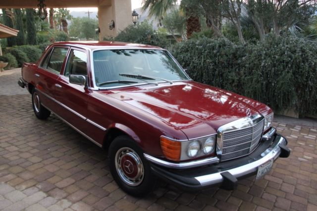 1976 Mercedes-Benz 400-Series (Burgundy/Tan)