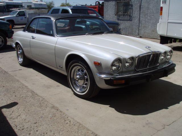 Seller of Classic Cars - 1976 Jaguar XJ6 (PEARL WHITE, TRI ...