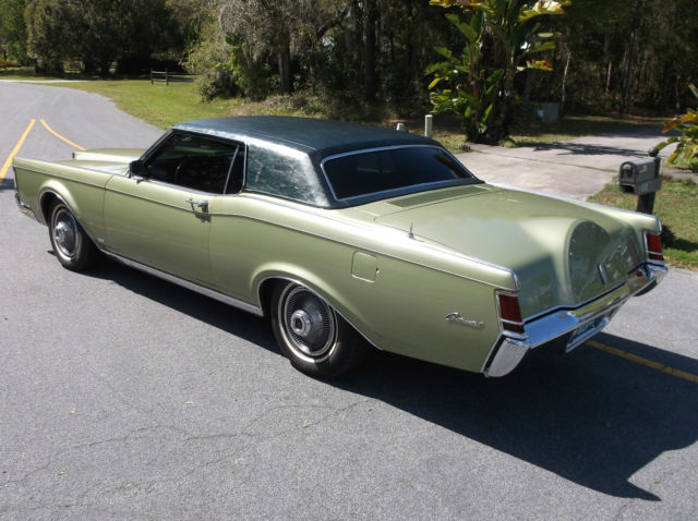 seller of classic cars 1969 lincoln continental od green od green. Black Bedroom Furniture Sets. Home Design Ideas