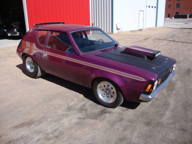 1972 AMC Gremlin (Black/purple)