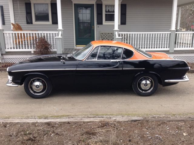 1967 Volvo P1800 P1800S 1800S 1800 (Black/Orange/Black)