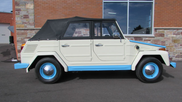1973 Volkswagen Thing (Cream w/ Blue Accents (Acapulco Theme)/Black)
