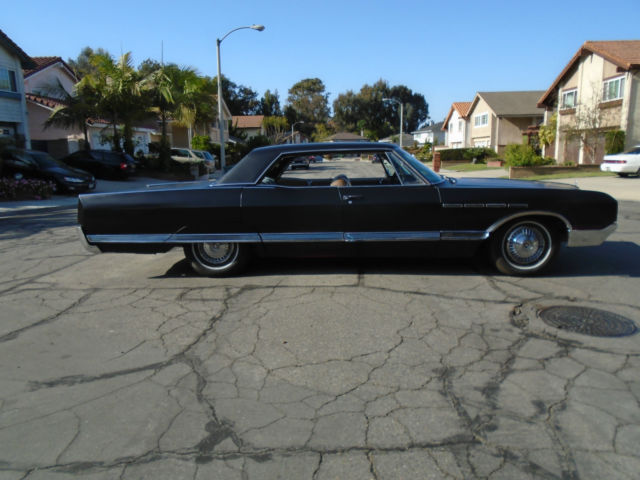 1965 Buick Electra (Black/Tan)