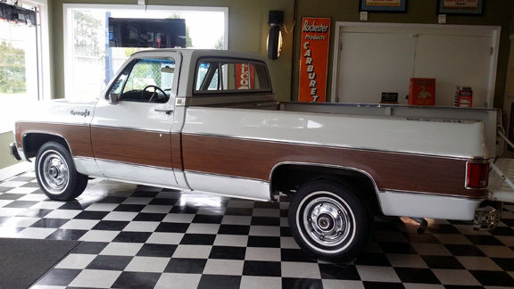 1978 Chevrolet Cheyenne (White/Tan)