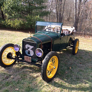 1927 Ford Model T (Green/Brown)