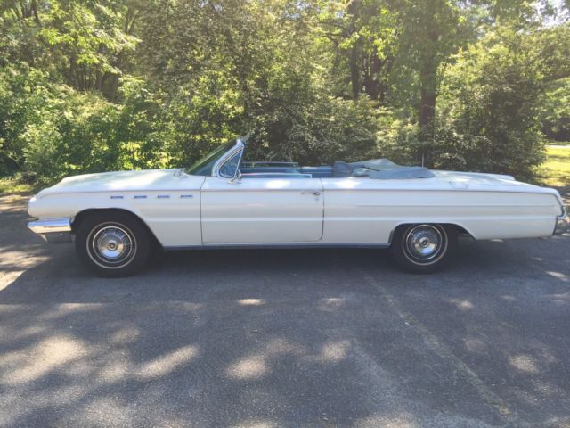 1962 Buick Electra (White/Blue)
