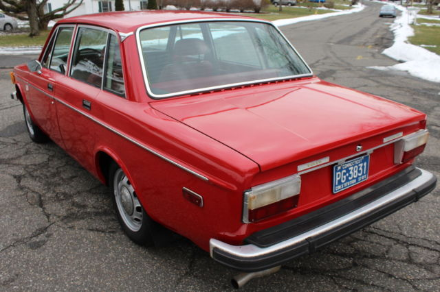 1973 Volvo 144 Fuel Injected (RED/RED)