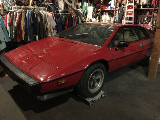 1979 Lotus Esprit (Red/Tan)