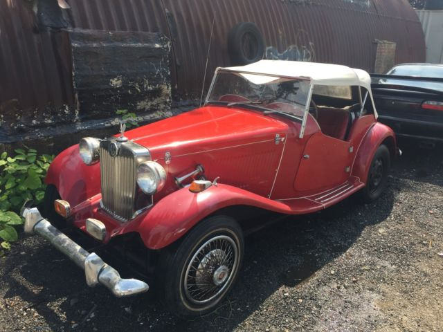 1952 MG T-Series (Red/Red)